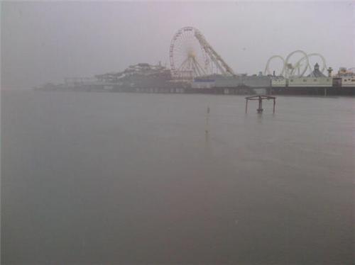 Live blog: Hurricane Sandy updates