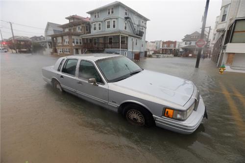 东海岸各地进入飓风珊迪包围圈 赌城大西洋告危_图10-1
