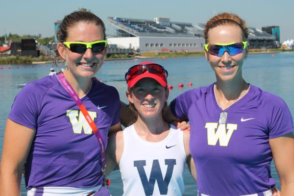 Reppin' @UWHuskyCrew at #London2012 ! Adrienne Martelli ('10), Mary Whipple ('02), Megan Kalmoe ('06) #dawgsinlondon <a href=
