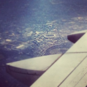 RT @NBCOlympics: Great photo! MT @wgeller3: The Olympic stadium from 28000 ft on approach to the London #Olympics. <a href=