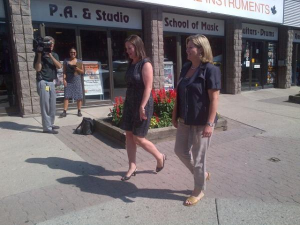 Here s  andreahorwath with Zoie Palmer Tracey Weiler