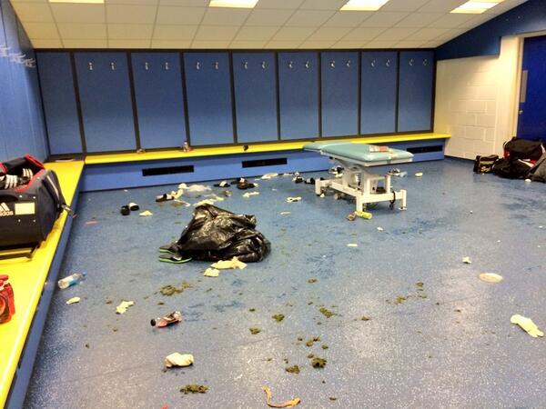 Man utd dressing room 2013