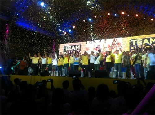 CAMPAIGNS BEGIN. The Team PNoy rally at the Plaza Miranda