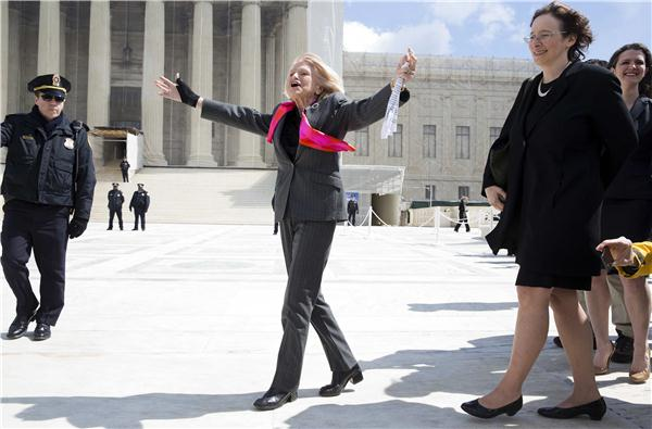 Supreme Court weighs gay marriage cases