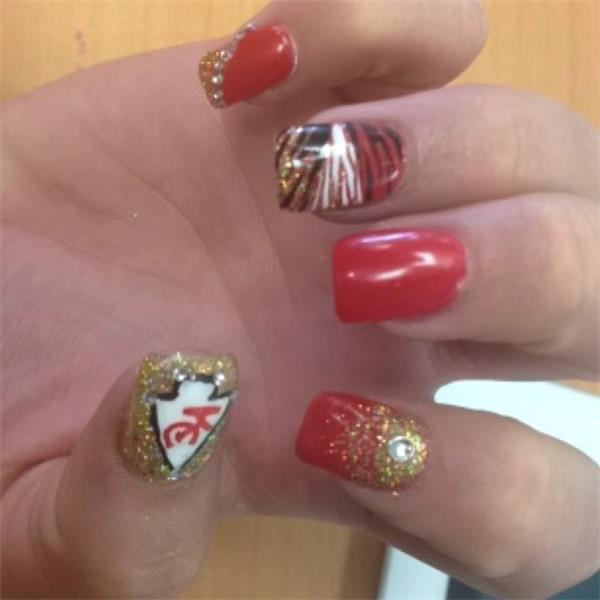 Sign of a true fan: Chiefs nail art. - Live Coverage - KSHB.com