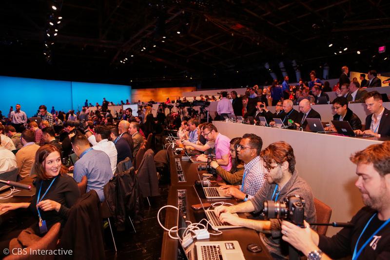 پوشش زنده خبری رونمایی از محصولات مایکروسافت ۲۰۱۵