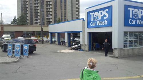 Suv Crashes At Tops Car Wash On Richmond Ottnews Cbcott Http Pbs Twimg Media Cdszklawgaat1cd Jpg