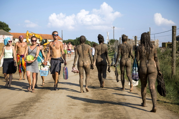 Swingerpaare nackt am Strand HD - PORNOKLINGEcom