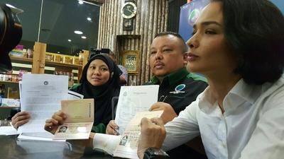 Zahnita Berkata Jabatan Imigresen Shah Alam Telah Mengeluarkan Pasport Baru Itu Kepada Suaminya Abd Zackery