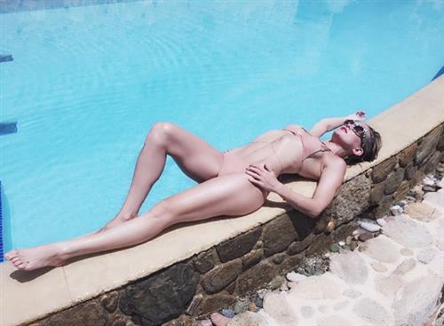 Francesca Mozer  nackt