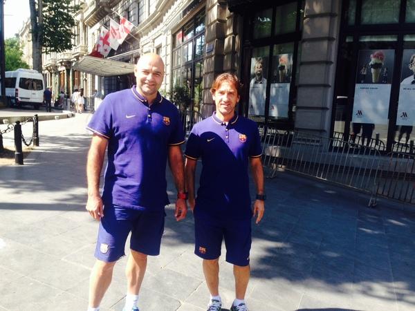 Joan Barbará y De la Fuente han salido a dar una vuelta alrededores del hotel del Barça