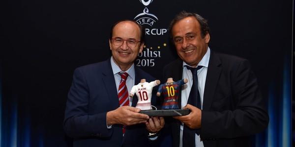 José Castro muestra su buena sintonía con Platini