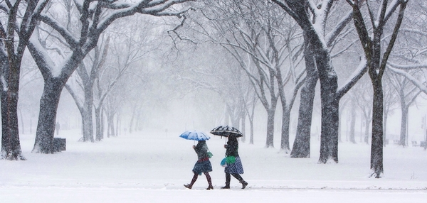A snowstorm on Washington's National Mall in March 2015. NOAA issued its 2016 Winter Outlook today.