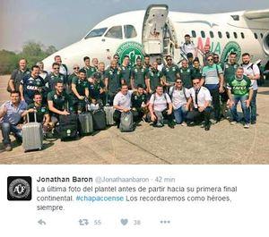 Esta es la última foto de grupo que ha hecho la expedición del Chapecoense poco antes del despegue y que se publicó en Twitter