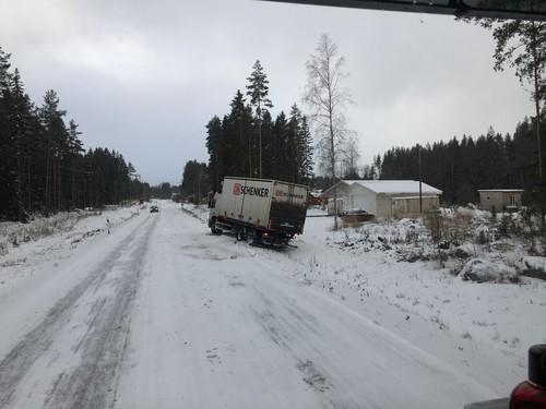 Trafikolycka pa e16 mellan mackmyra och nybo