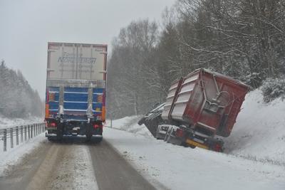 Flera olyckor i vastlig halka