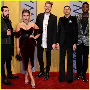 video pentatonix perform moving cover of hallelujah during their christmas special ifttt2hlbnu9