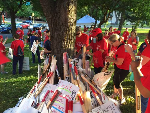 Nurses from the Minnesota Nurses Association prepare for strike