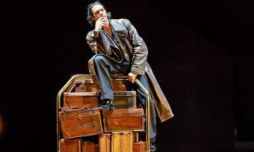 (c) Salzburger Festspiele/Michael Pöhn Als Don Giovanni: Ildebrando D'Arcangelo –  die Reise aus der Fülle ins Nichts.