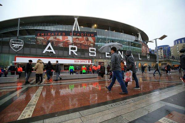 Giroud's 'scorpion' goal helps Arsenal beats Crystal Palace