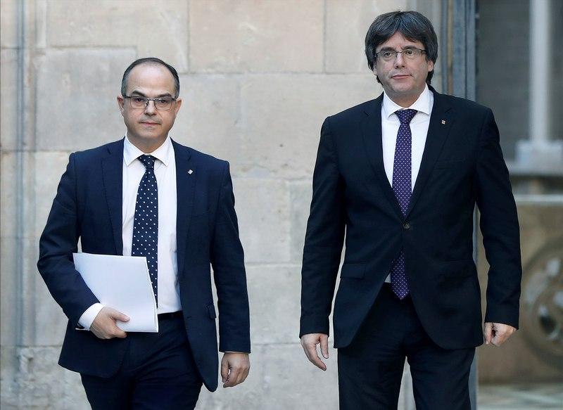 Jordi Turull, junto a Carles Puigdemont poco antes de la reunión del Consell Executiu de la Generalitat - FOTO: EFE