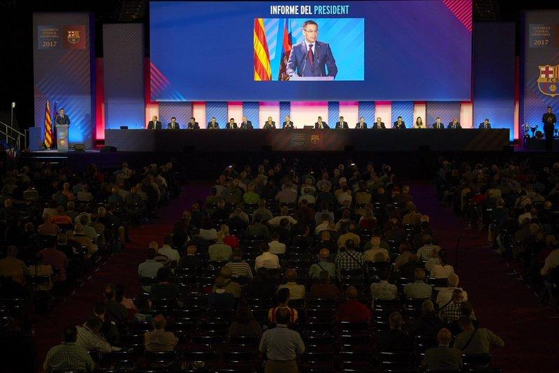 Bartomeu ante los compromisarios de la Asamblea General.