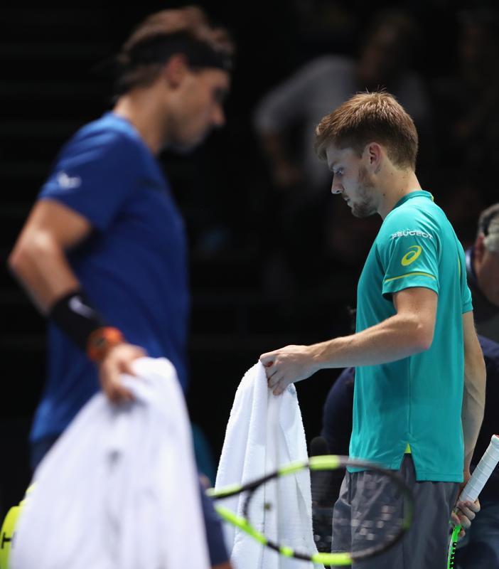 David Goffin y Rafa Nadal. Tercer duelo del curso, primero fuera de la tierra batida. Y por vez primera un set para el belga FOTO: AP