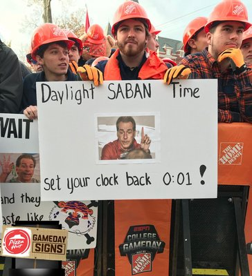 b852518cb We asked you to pick your favorite sign from the @pizzahut #GameDaySigns .  The fans have spoken!
