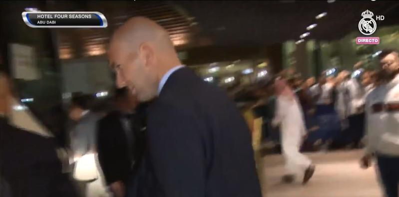 La expedición merengue, liderada por Zidane, sale hacia el estadio (Youtube)