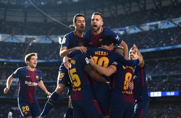 Messi consigue el segundo gol de penalti