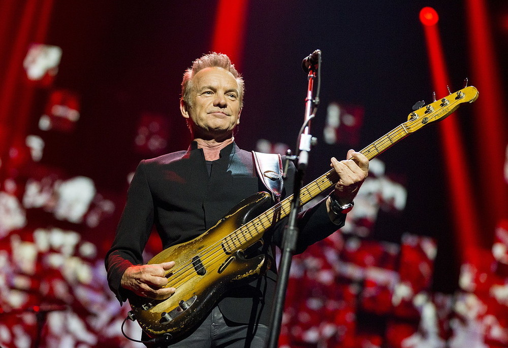 Sting tar musikal till sverige