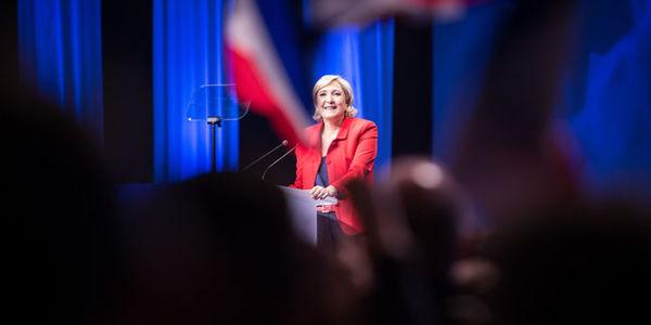 Macron et Le Pen toujours en tête des intentions de vote — Présidentielle