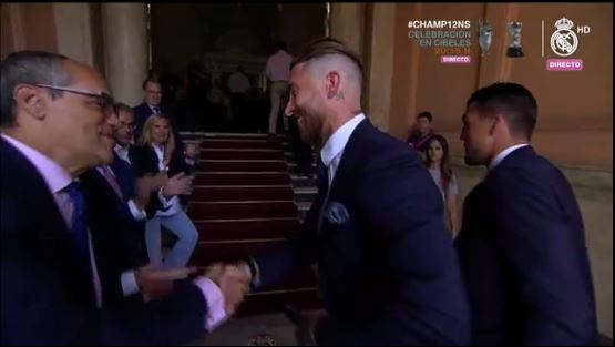 Sergio Ramos lleva la copa
