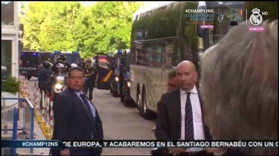 Llega el bus al Ayuntamiento