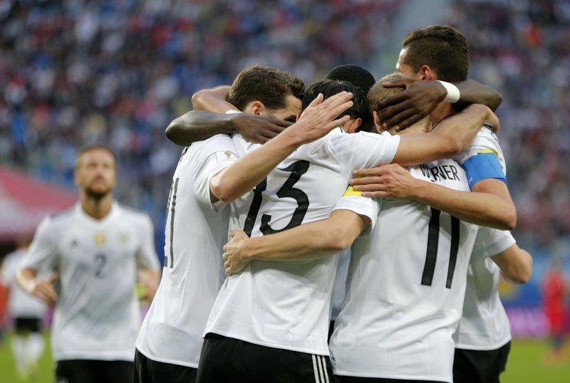 Los jugadores de Alemania, celebrando el gol de Stindl