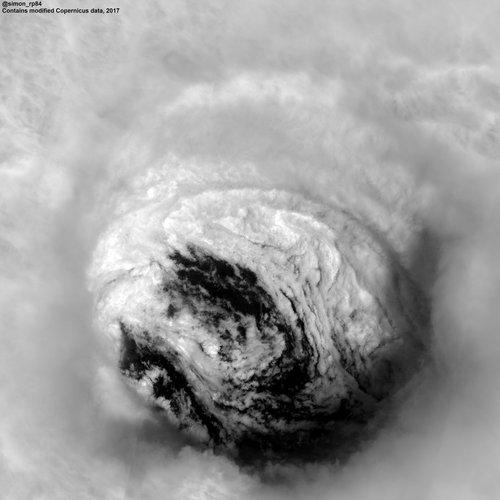 L'ouragan Irma frappe les côtes de Floride