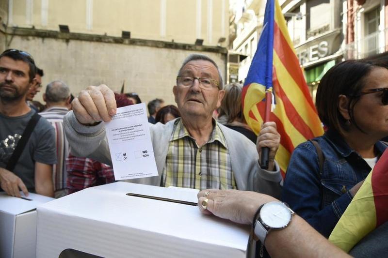 Concentración multitudinaria en Lleida. FOTO: EFE
