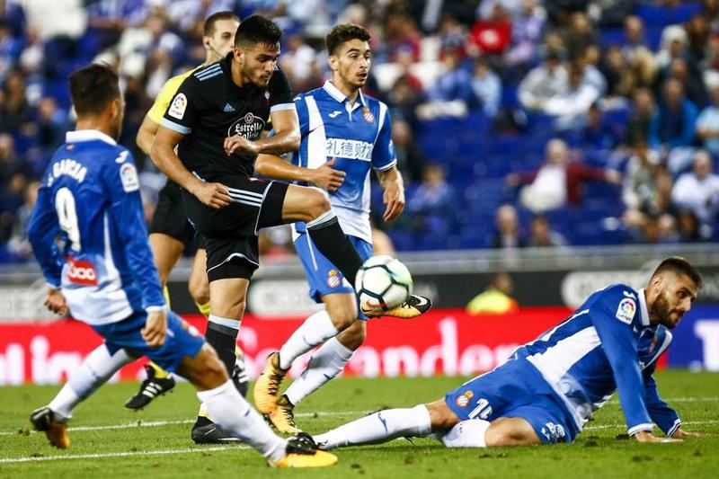 Gómez, ante el Espanyol