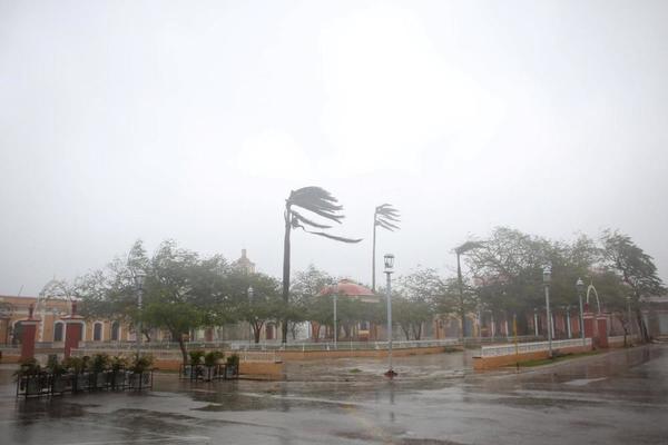 L'ouragan Irma s'abat sur la Floride, Trump déclare l'état de catastrophe naturelle