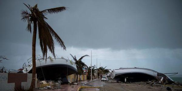 Emmanuel Macron a atterri à Saint-Martin — Ouragan Irma