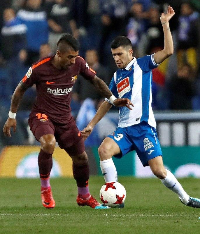 Paulinho ha tenido que retirarse del campo por unas molestias musculares FOTO: EFE