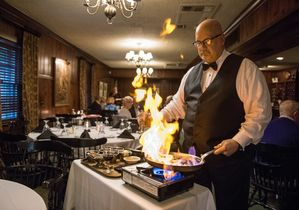 Kennel Club Fine Dining Of Evansville Offers Newly Trendy Clic Dishes