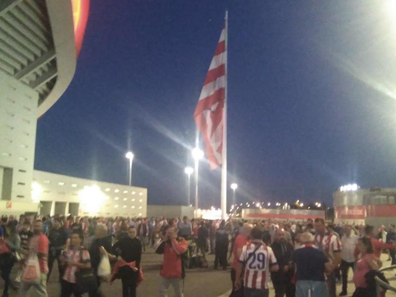 En los aledaños se huele a aroma de Champions League...
