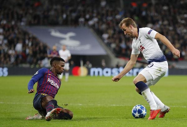 El ariete del Tottenham Harry Kane ha batido a Ter Stegen tras dejar sentado a Semedo con un gran recorte