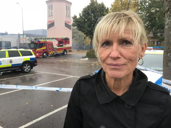Birgitta Pettersson, utbildningsdirektör vid Uppsala kommun, säger att målet är att hålla ihop eleverna. Just nu jobarkommunens lokalenhet på att hitta lokaler. I morgon ska eleverna ha en friluftsdag.