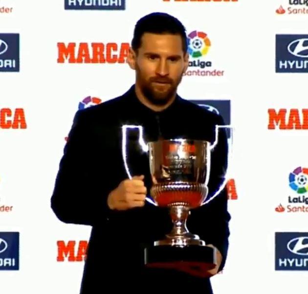 Messi, con el premio Pichichi