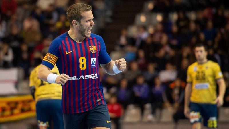 Víctor Tomàs celebra uno de sus goles en la final