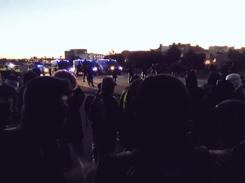 Manifestantes en la AP-7. (Foto: @CDRCampTGN)
