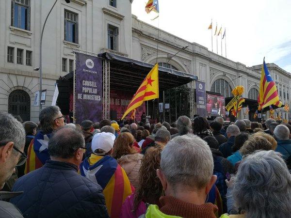 Manifestación delante de la Estació de França en Barcelona