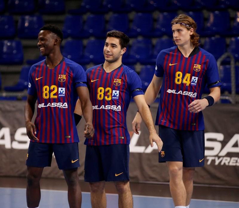 Diacou, Pascual y Knorr, en su debut con el primer equipo del Barça (Pep Morata)